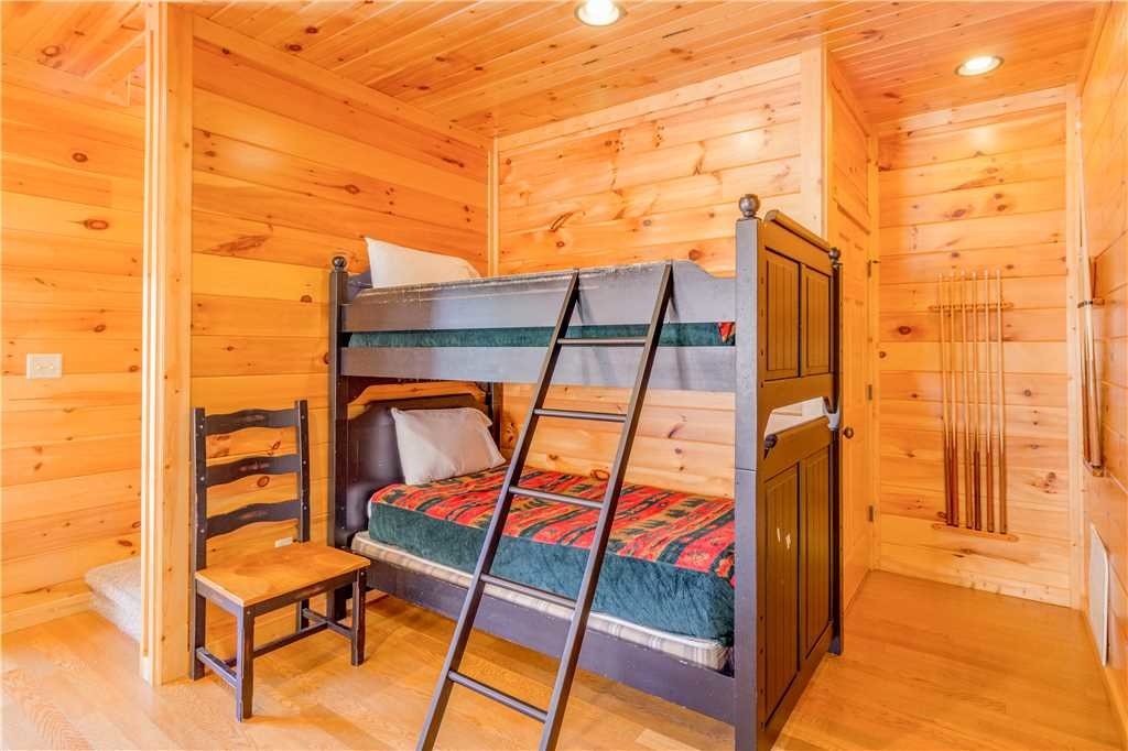 Photo of a Gatlinburg Cabin named Amazing Grace - This is the ninth photo in the set.