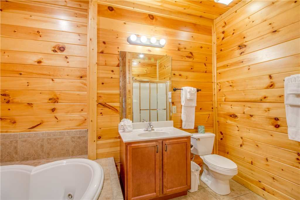 Photo of a Gatlinburg Cabin named Amazing Grace - This is the thirteenth photo in the set.