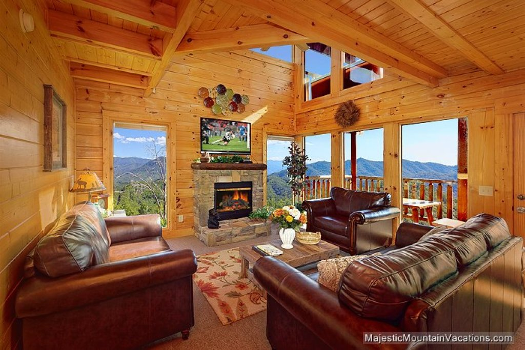 Photo of a Pigeon Forge Cabin named 50 Mile View - This is the second photo in the set.