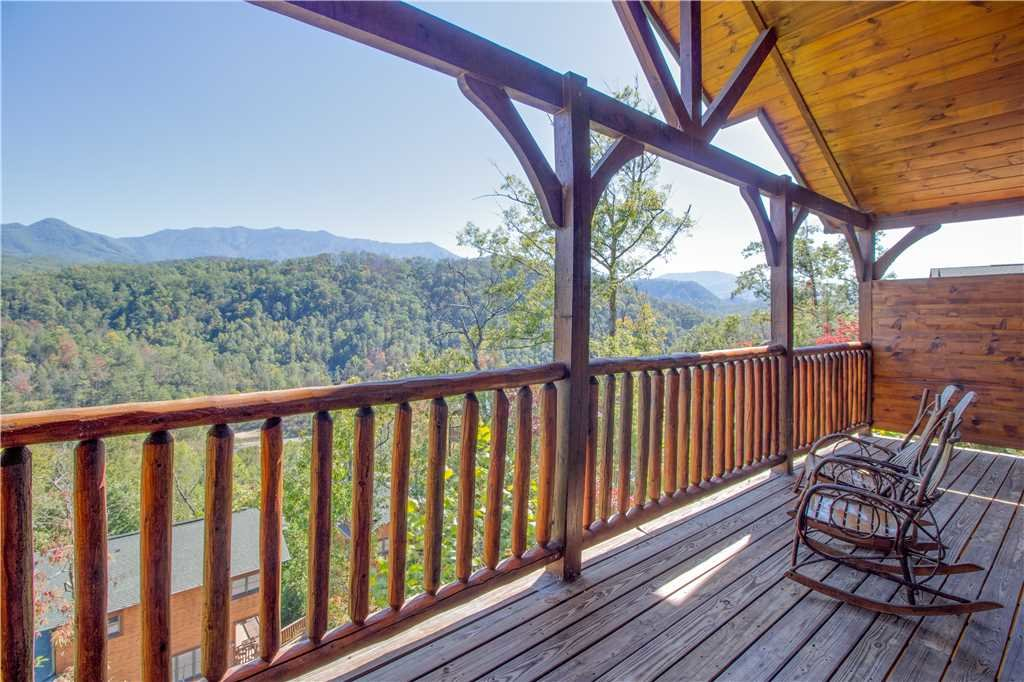 Photo of a Gatlinburg Cabin named Amazing Grace - This is the seventeenth photo in the set.