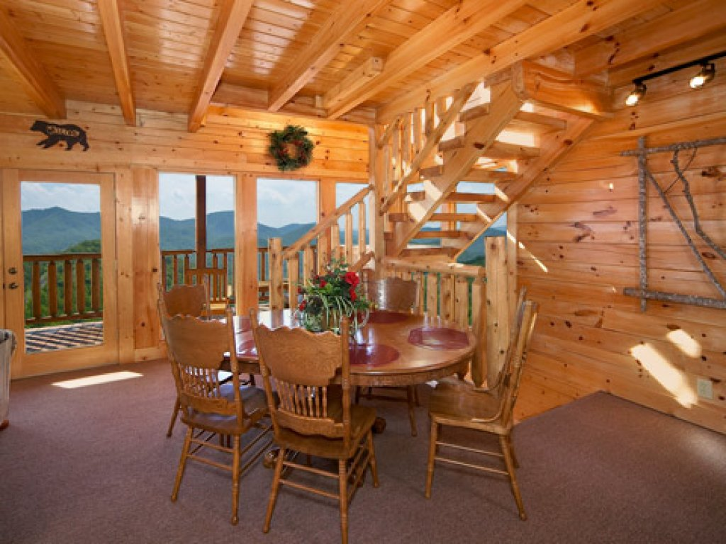 Photo of a Pigeon Forge Cabin named 50 Mile View - This is the third photo in the set.