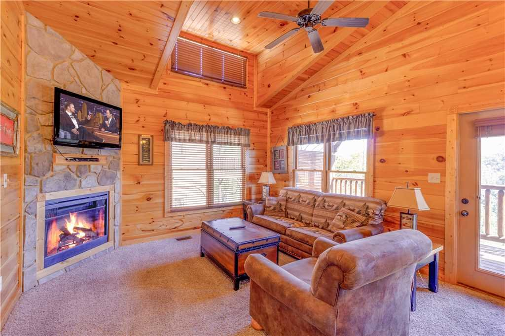 Photo of a Gatlinburg Cabin named Amazing Grace - This is the second photo in the set.