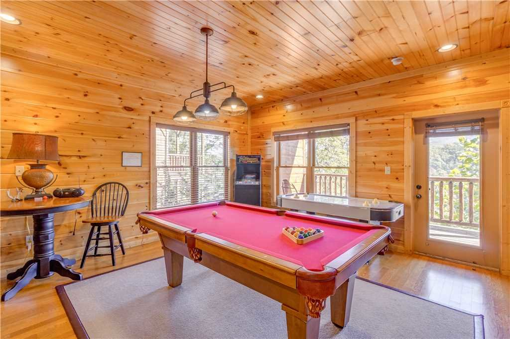 Photo of a Gatlinburg Cabin named Amazing Grace - This is the sixth photo in the set.