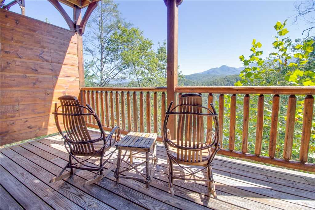 Photo of a Gatlinburg Cabin named Amazing Grace - This is the sixteenth photo in the set.