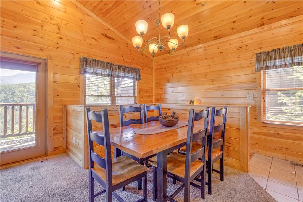 Photo of a Gatlinburg Cabin named Amazing Grace - This is the fourth photo in the set.