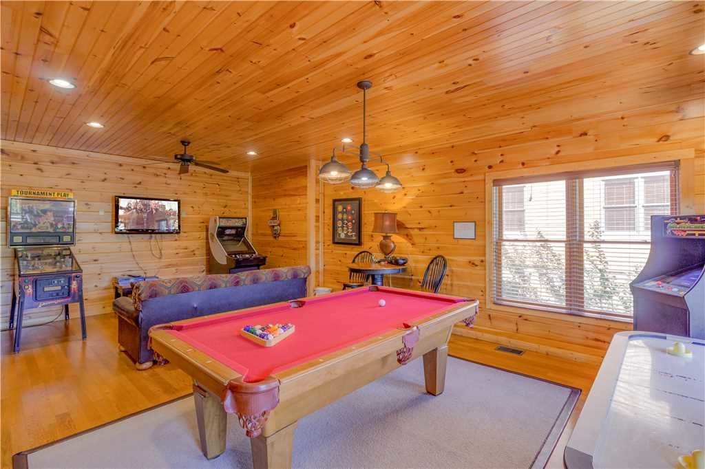 Photo of a Gatlinburg Cabin named Amazing Grace - This is the seventh photo in the set.
