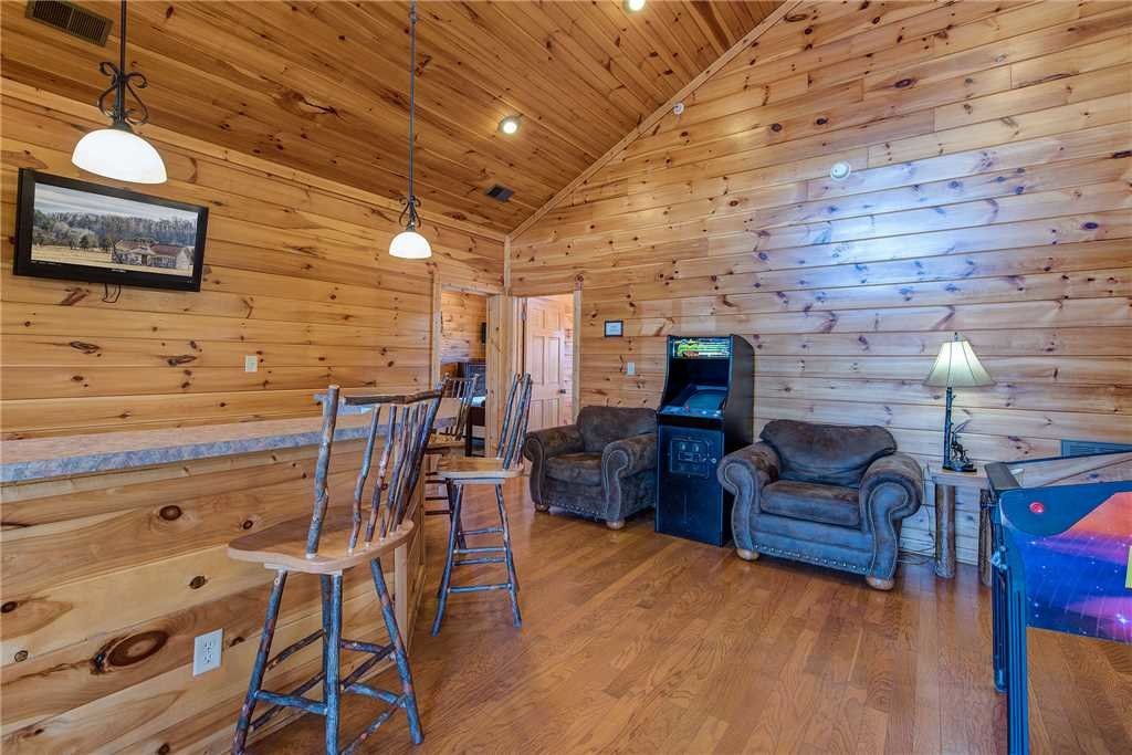 Photo of a Gatlinburg Cabin named Mountain View Lodge - This is the thirteenth photo in the set.