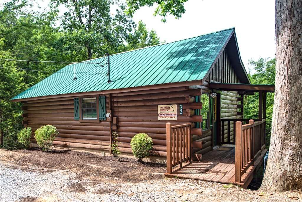 Photo of a Pigeon Forge Cabin named Smoky Mountain Bliss - This is the twenty-first photo in the set.