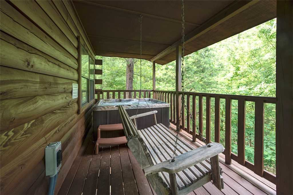 Photo of a Pigeon Forge Cabin named Smoky Mountain Bliss - This is the twentieth photo in the set.