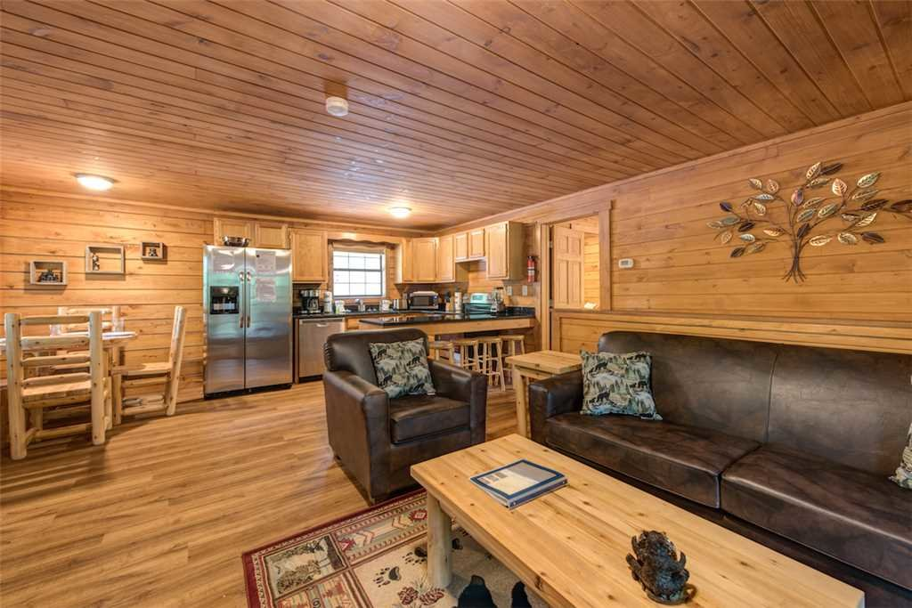 Photo of a Pigeon Forge Cabin named Smoky Mountain Bliss - This is the second photo in the set.