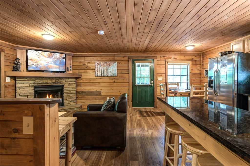 Photo of a Pigeon Forge Cabin named Smoky Mountain Bliss - This is the sixth photo in the set.