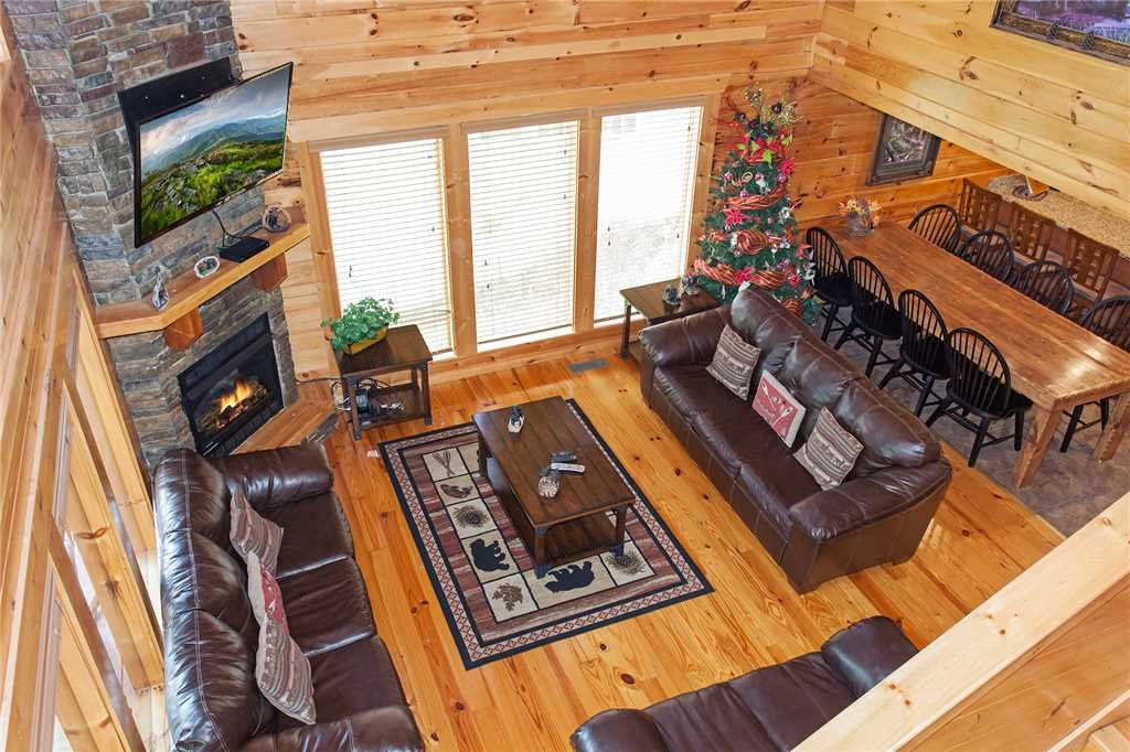 Photo of a Pigeon Forge Cabin named Beary Dee-lightful - This is the second photo in the set.