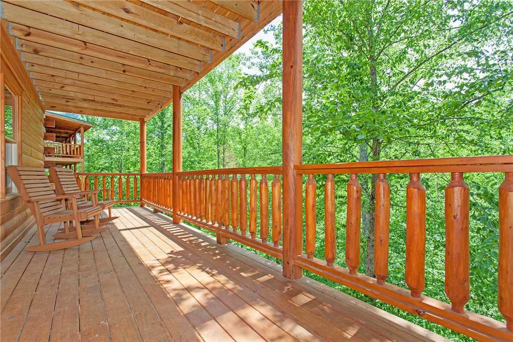 Photo of a Pigeon Forge Cabin named Beary Dee-lightful - This is the twenty-sixth photo in the set.