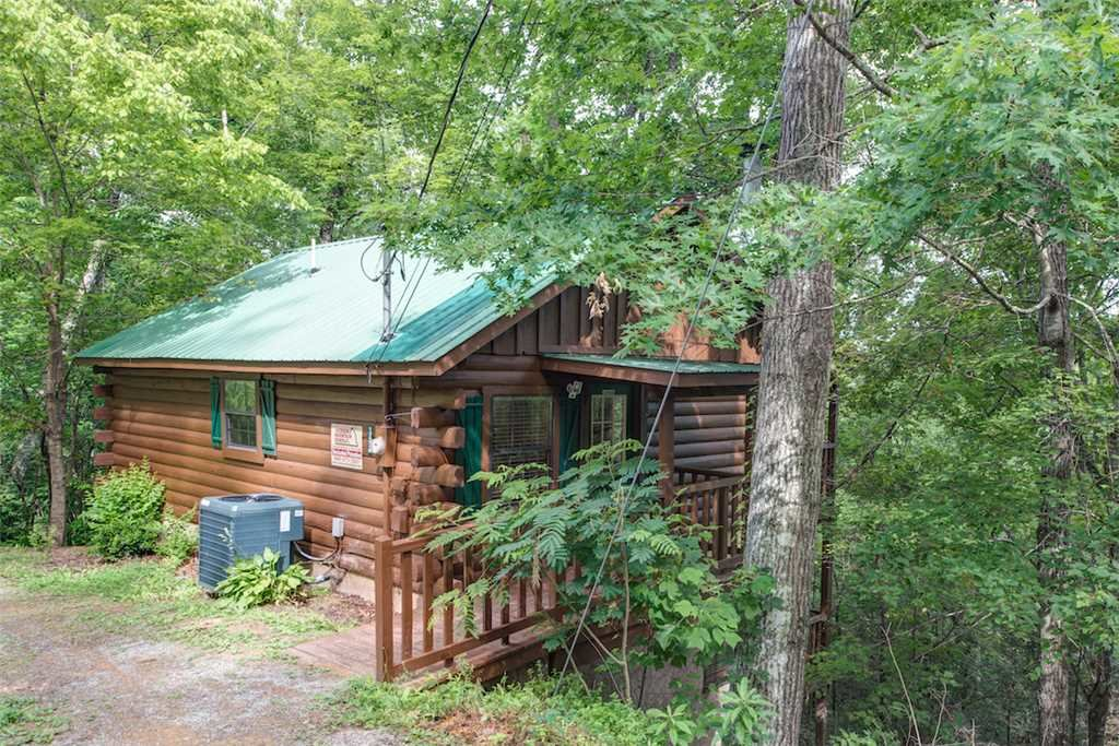Photo of a Pigeon Forge Cabin named Simply Serene - This is the twentieth photo in the set.