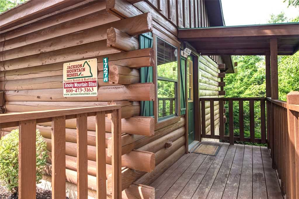 Photo of a Pigeon Forge Cabin named Smoky Mountain Bliss - This is the twenty-second photo in the set.