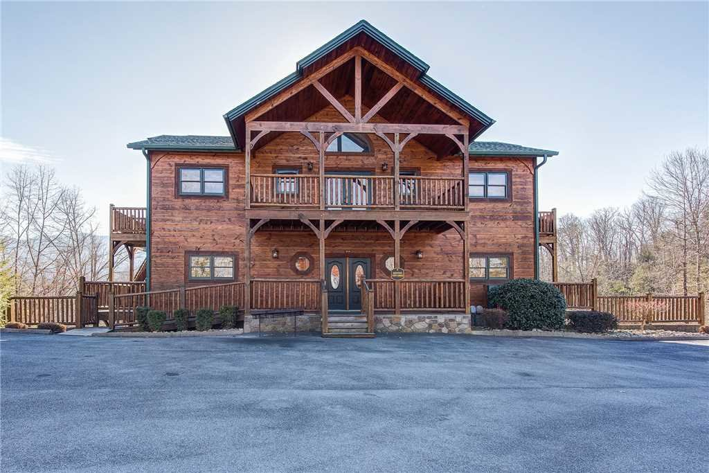 Photo of a Gatlinburg Cabin named Mountain View Lodge - This is the third photo in the set.