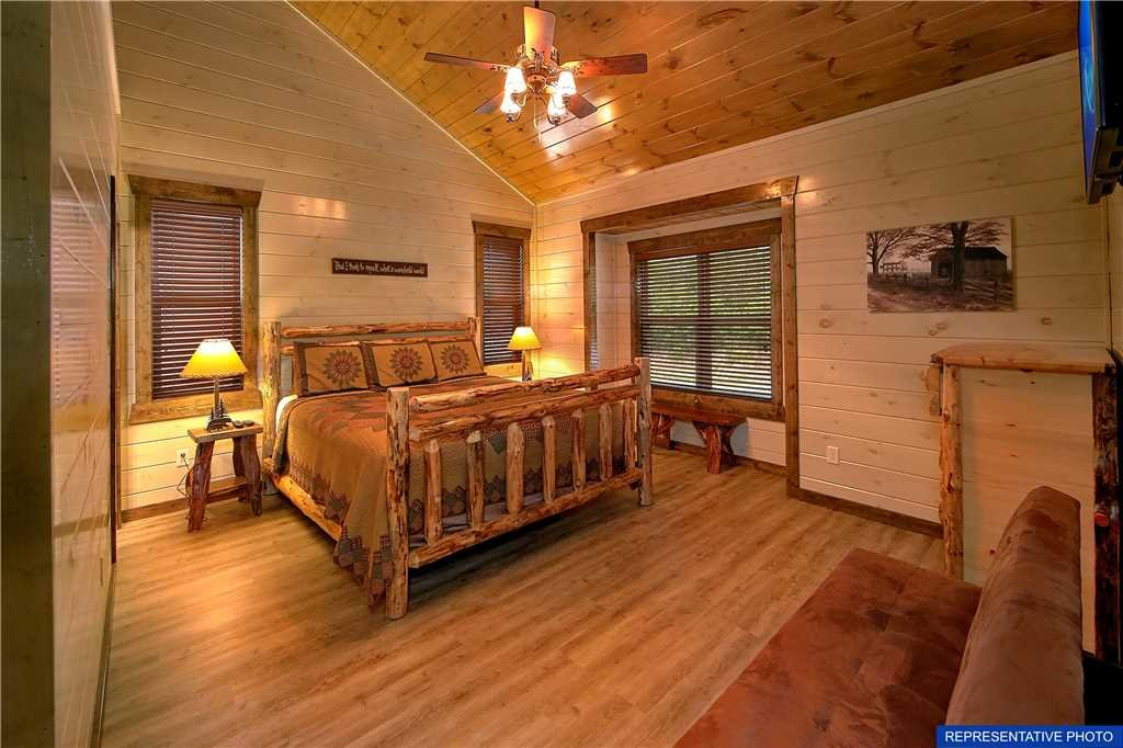 Photo of a Gatlinburg Cabin named The Great Maple Retreat - This is the twenty-second photo in the set.