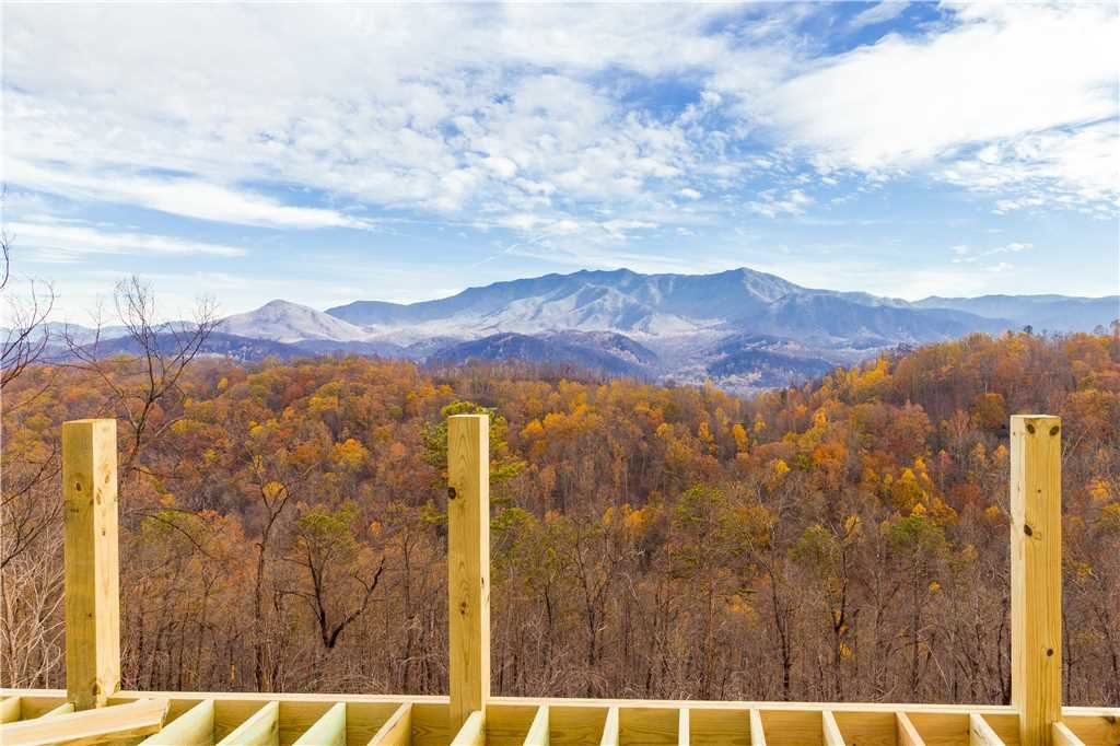 Photo of a Gatlinburg Cabin named 3 Bears Chalet - This is the second photo in the set.