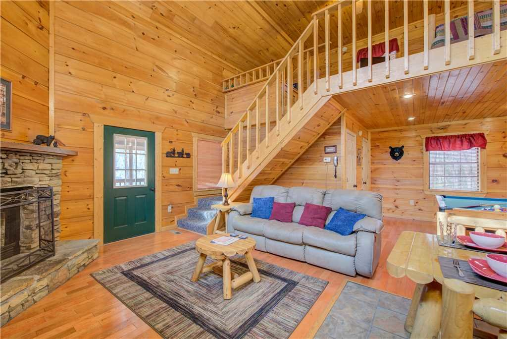 Photo of a Gatlinburg Cabin named Bearadise - This is the fourth photo in the set.
