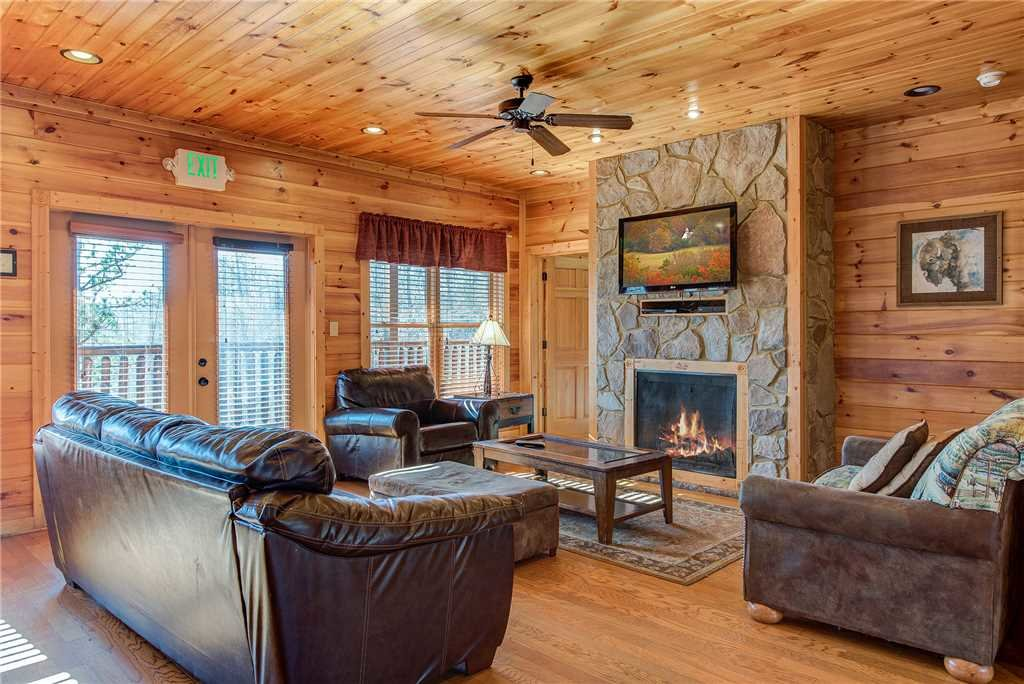 Photo of a Gatlinburg Cabin named Mountain View Lodge - This is the first photo in the set.