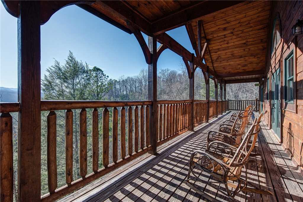 Photo of a Gatlinburg Cabin named Mountain View Lodge - This is the thirty-ninth photo in the set.