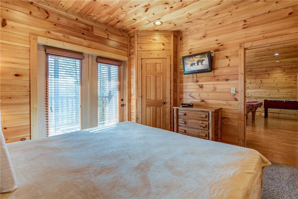 Photo of a Gatlinburg Cabin named Mountain View Lodge - This is the thirty-first photo in the set.