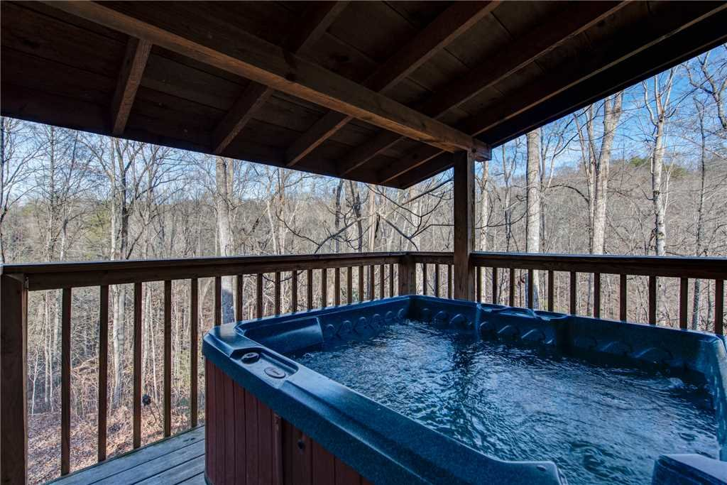 Photo of a Pigeon Forge Cabin named Cocoa Bear - This is the second photo in the set.