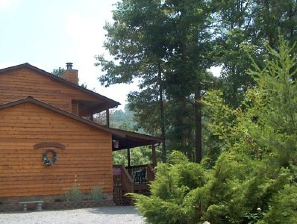 Photo of a Pigeon Forge Cabin named Woodhaven #1741 - This is the first photo in the set.