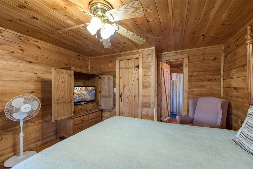 Photo of a Pigeon Forge Cabin named Cocoa Bear - This is the thirteenth photo in the set.