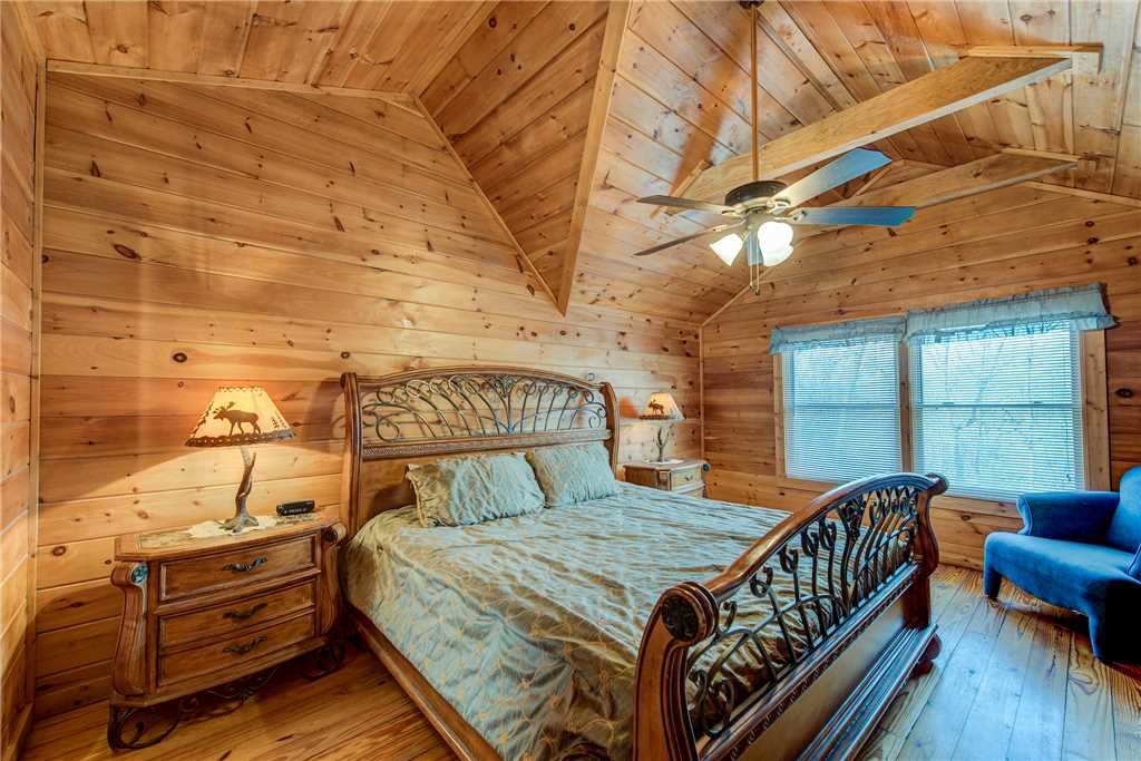 Photo of a Pigeon Forge Cabin named Cocoa Bear - This is the ninth photo in the set.