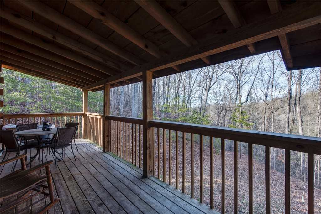 Photo of a Pigeon Forge Cabin named Cocoa Bear - This is the eighteenth photo in the set.