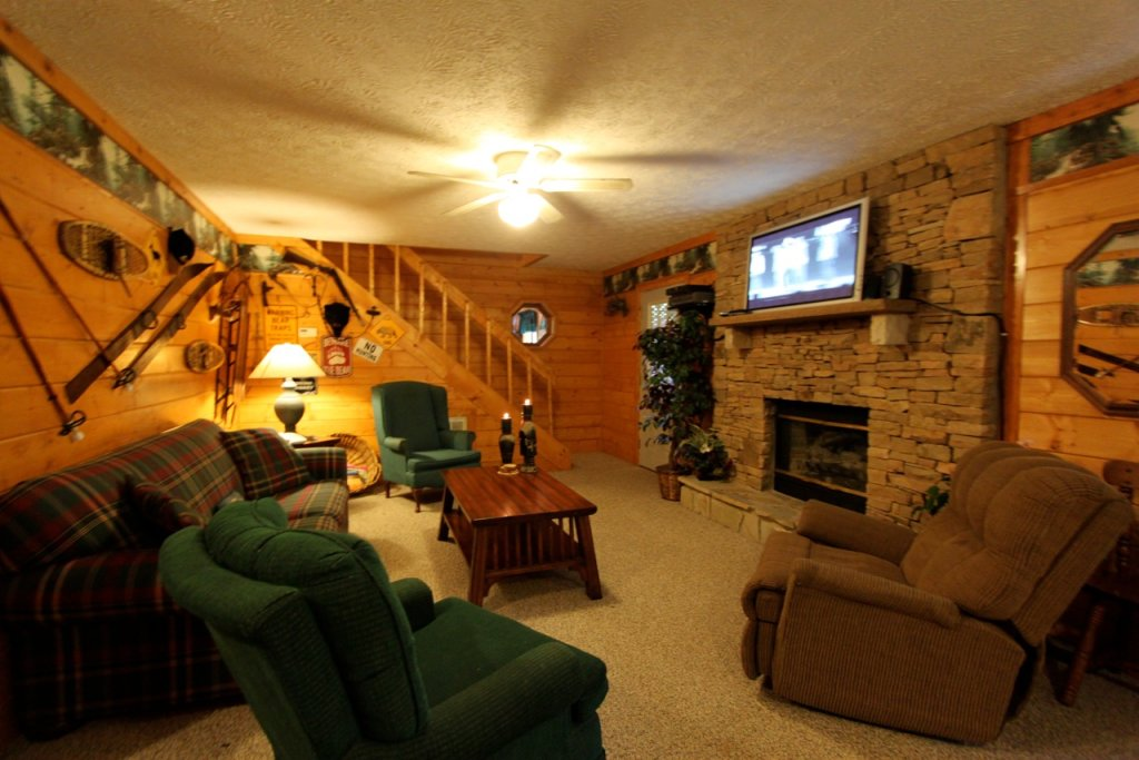 Photo of a Pigeon Forge Cabin named Woodhaven #1741 - This is the fifth photo in the set.
