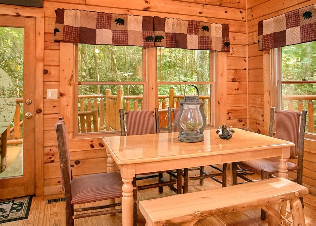 Photo of a Pigeon Forge Cabin named Creekside Oasis #3 - This is the seventh photo in the set.
