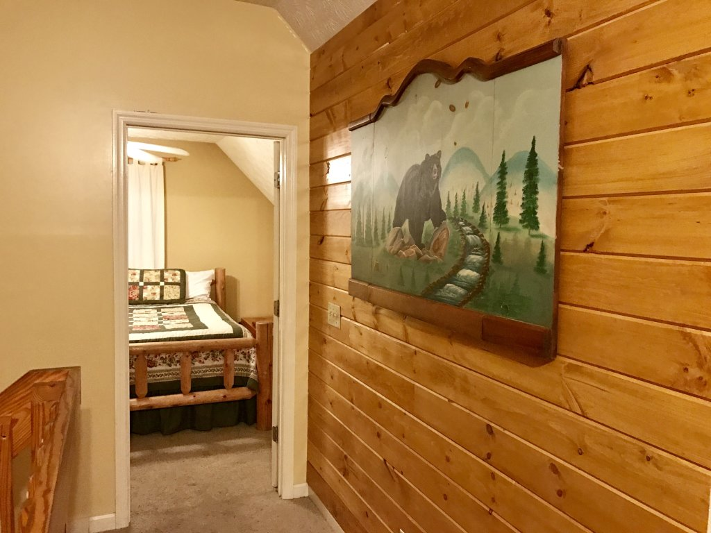 Photo of a Gatlinburg Cabin named Bear Run Getaway #1136 - This is the fifth photo in the set.
