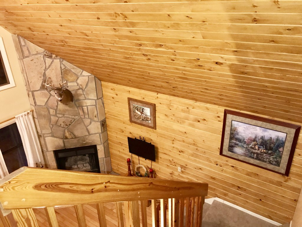 Photo of a Gatlinburg Cabin named Bear Run Getaway #1136 - This is the twenty-first photo in the set.