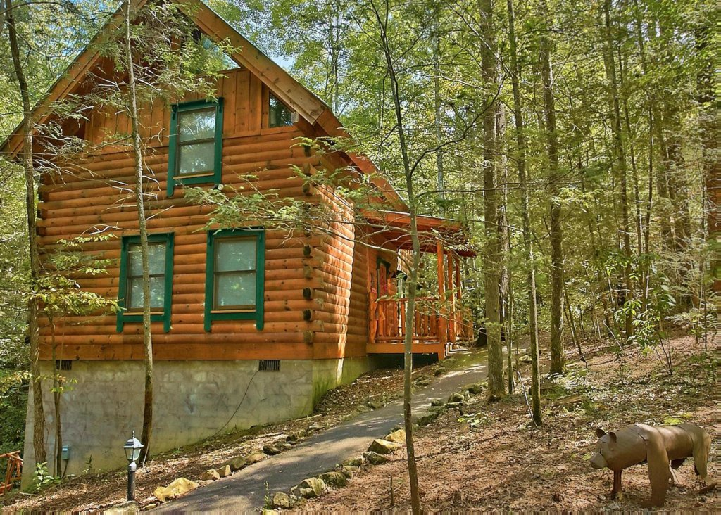 Photo of a Pigeon Forge Cabin named Creekside Oasis #3 - This is the first photo in the set.