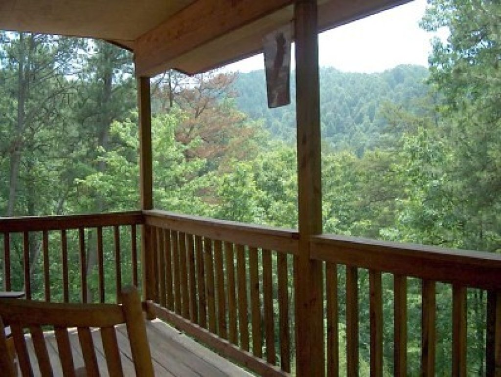 Photo of a Pigeon Forge Cabin named Woodhaven #1741 - This is the eighteenth photo in the set.