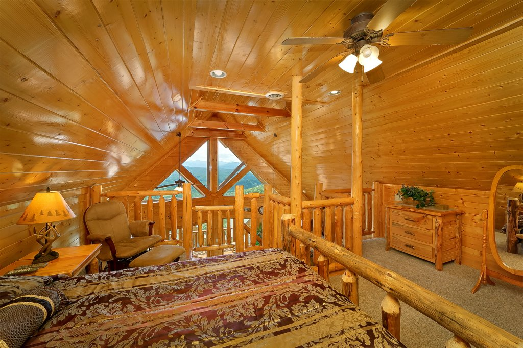 Photo of a Pigeon Forge Cabin named A Glimpse Of Heaven - This is the seventh photo in the set.