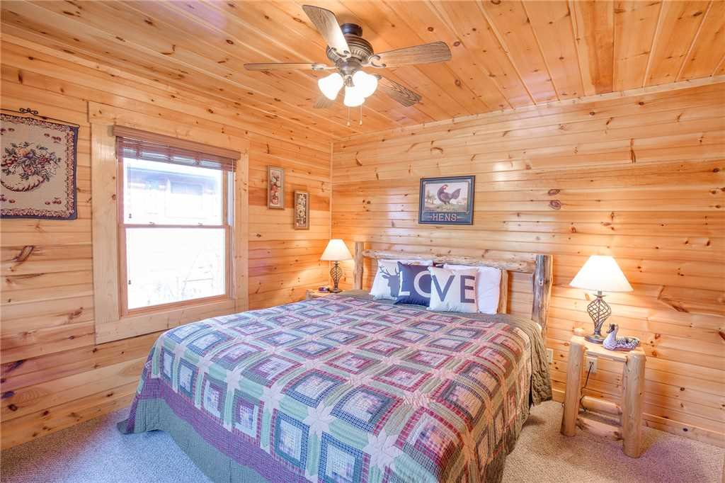 Photo of a Gatlinburg Cabin named Day Dreamer - This is the fourteenth photo in the set.