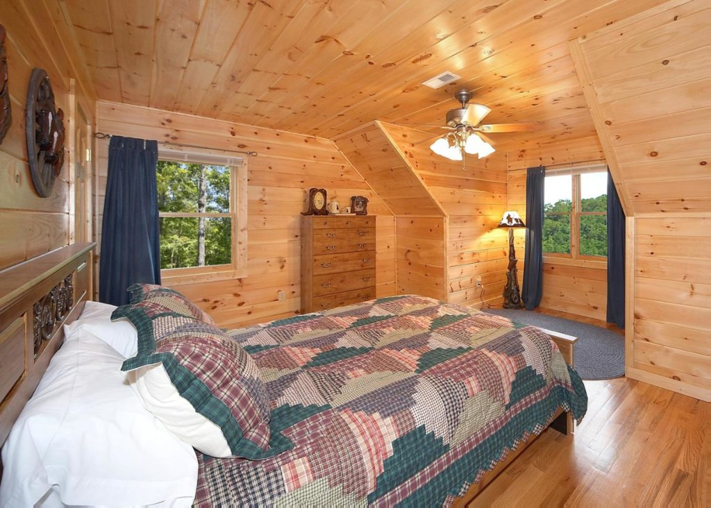 Photo of a Pigeon Forge Chalet named Cherokee Lodge - This is the eighth photo in the set.
