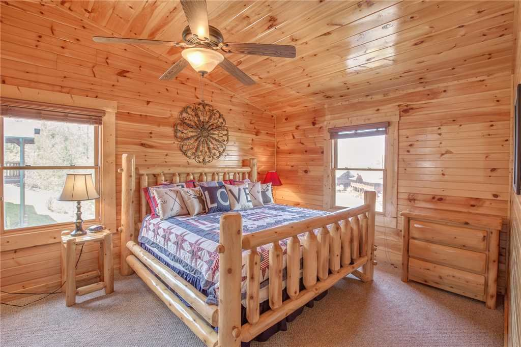 Photo of a Gatlinburg Cabin named Day Dreamer - This is the nineteenth photo in the set.