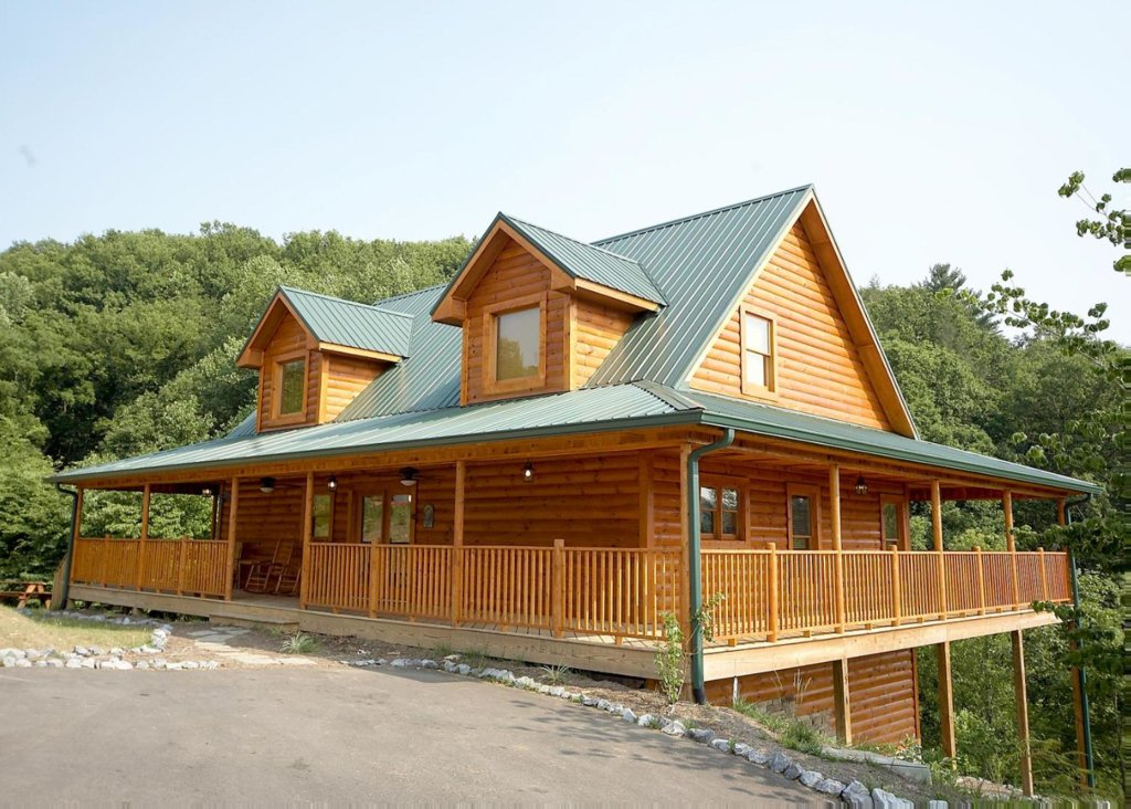 Photo of a Pigeon Forge Cabin named Country Living - This is the first photo in the set.