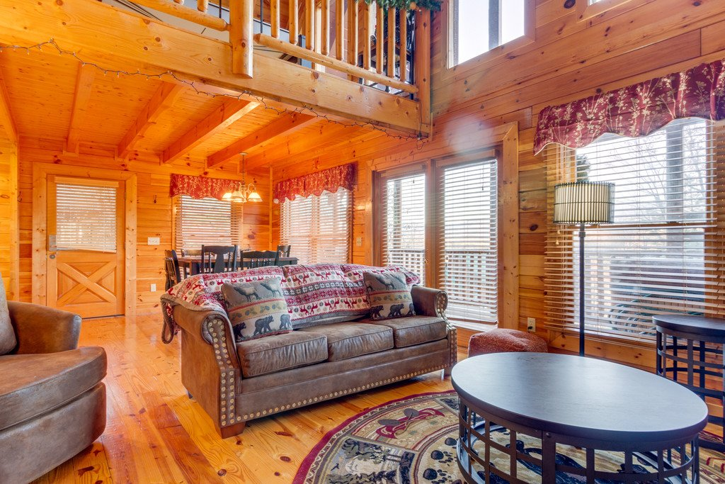 Photo of a Pigeon Forge Cabin named Shaconage Rest - This is the fifth photo in the set.
