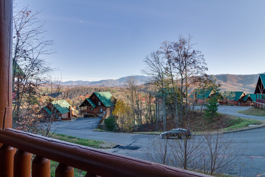 Photo of a Pigeon Forge Cabin named Shaconage Rest - This is the twenty-seventh photo in the set.