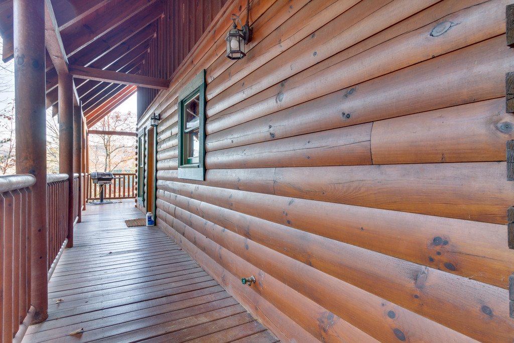 Photo of a Pigeon Forge Cabin named Shaconage Rest - This is the twenty-fifth photo in the set.