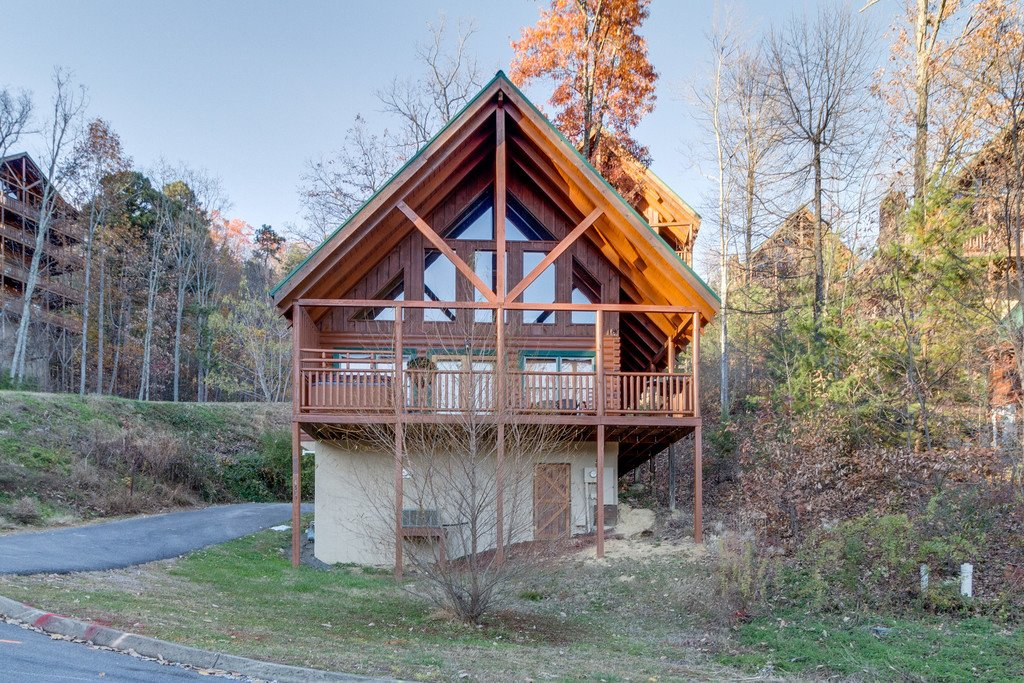 Photo of a Pigeon Forge Cabin named Shaconage Rest - This is the twenty-ninth photo in the set.