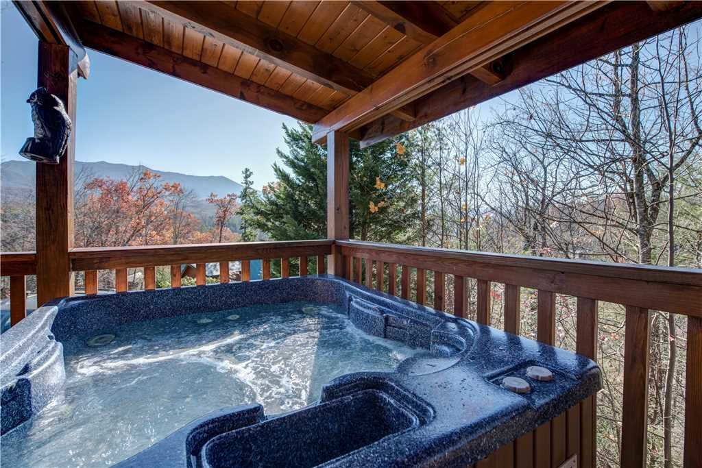 Photo of a Gatlinburg Cabin named Blue Mist View - This is the second photo in the set.