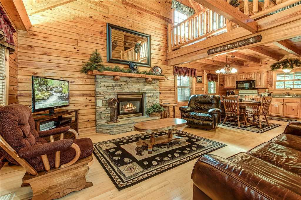 Photo of a Sevierville Cabin named Return To Me - This is the first photo in the set.