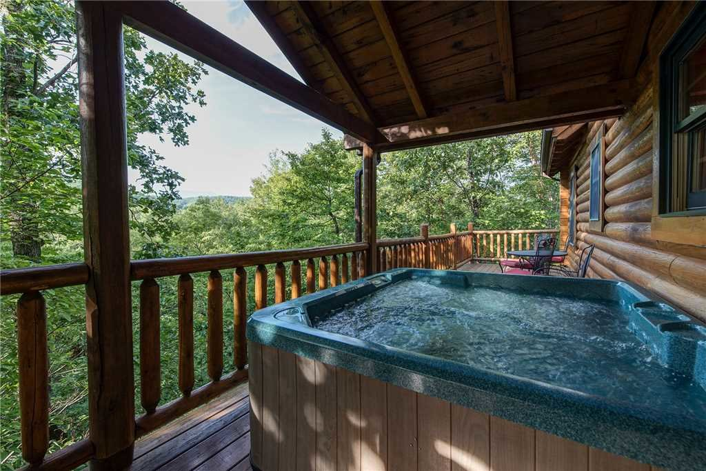 Photo of a Sevierville Cabin named Return To Me - This is the second photo in the set.