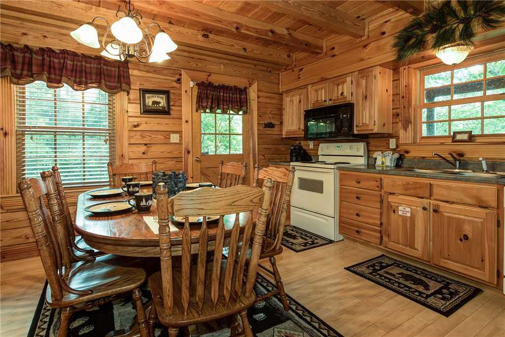 Photo of a Sevierville Cabin named Return To Me - This is the fifth photo in the set.